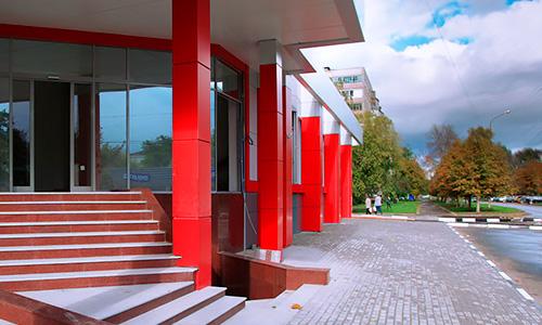 Вентилируемый фасад торгового центра на Советской