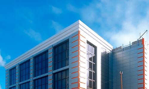 Вентилируемый фасад торгового центра в Орле, ул. Октябрьская