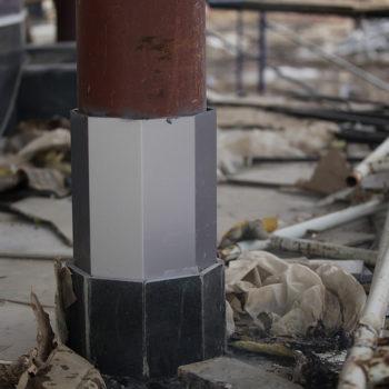 Обшивка колонн композитным алюминием.