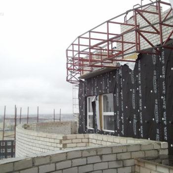 Конструкции на крыше здания