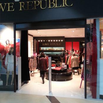 Рекламное оформление бутика Love Republic
